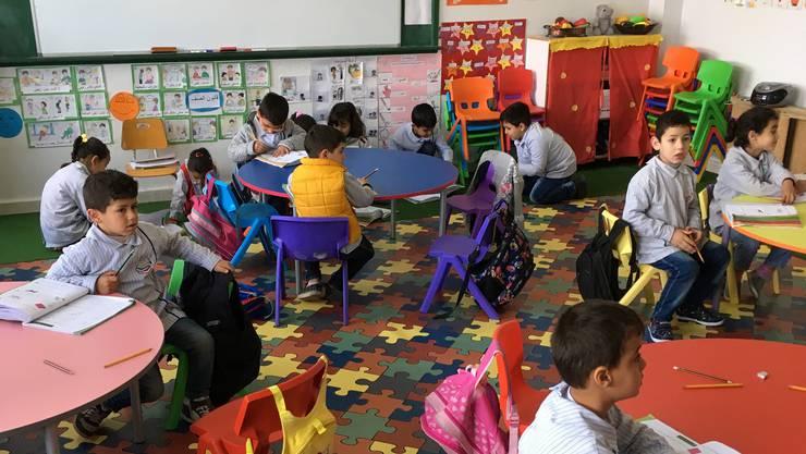 Schüler in der Schule in Homin el Fawkaa, deren Renovation die Stadt Zürich unterstützte.