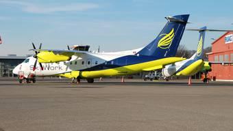 Skywork-Flugzeuge vor dem Terminal in Bern-Belp
