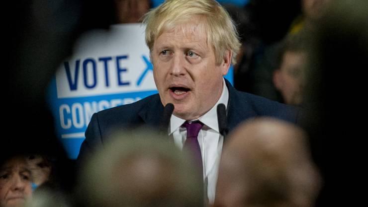 Wahlumfragen sehen ihn im Vorteil gegenüber der oppositionellen Labour-Partei: der britische Premierminister Boris Johnson von den Konservativen.