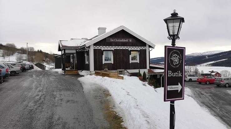 In dieser Schoggifabrik werden Pralinés hergestellt. Skifahrer und WM-Besucher können sich im Laden eindecken.