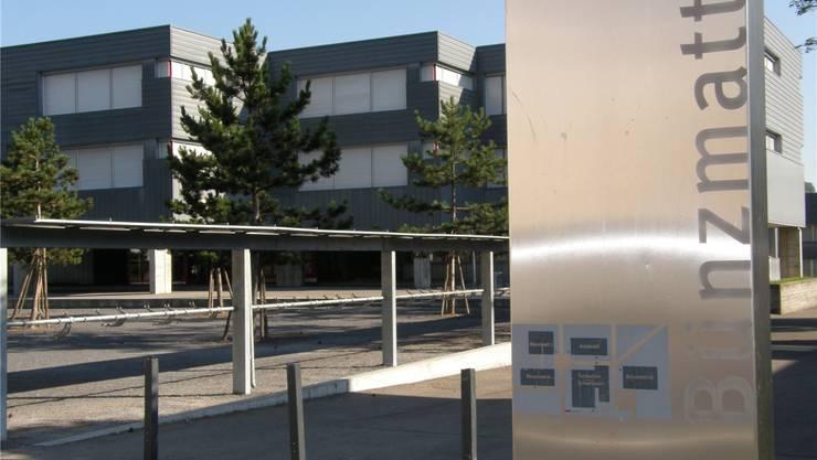Auch das Schulhaus Bünzmatt weist Sanierungsbedarf auf. AZ-Archiv