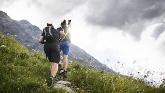 In den Schweizer Bergen sind im vergangenen Jahr weniger Menschen tödlich verunglückt als in anderen Jahren. Ein Grund dafür dürfte das wechselhafte Sommerwetter gewesen sein. (Archivbild)