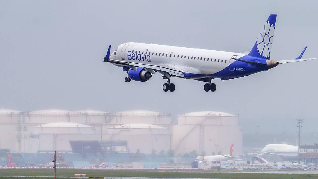 EU setzt Luftraum-Sperre für Flugzeuge aus Belarus in Kraft