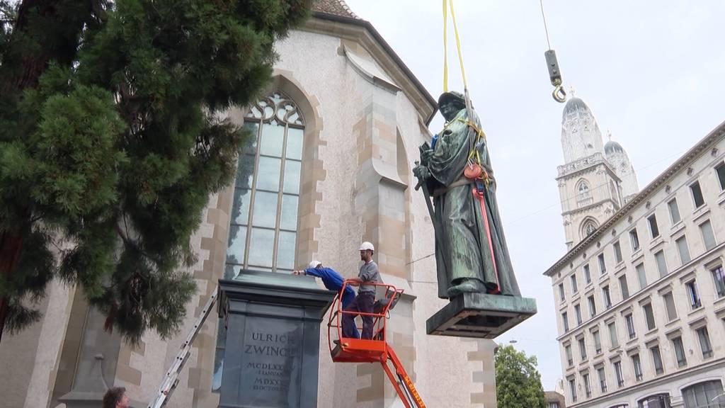 Zwingli-Statue restauriert und zurück in Zürich