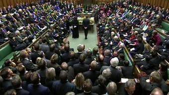 Blick ins Unterhaus in London: Das Abstimmungsresultat lautete 330 gegen 226 Stimmen für einen Parlamentsausschuss (Archiv)
