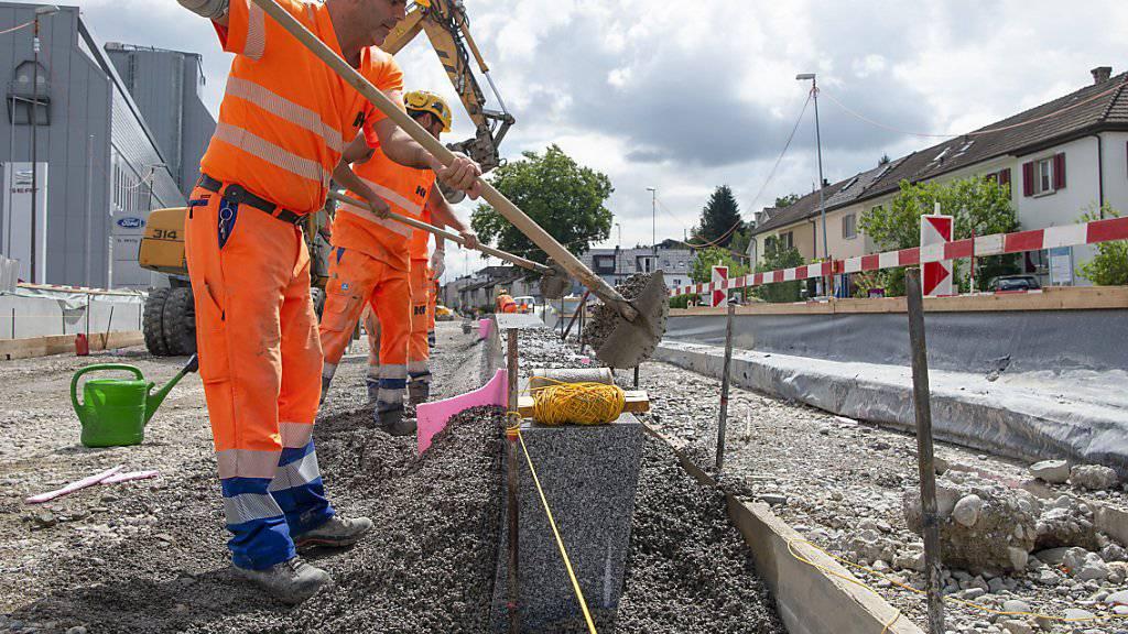 Der erste Abschnitt der Limmattalbahn von Zürich-Altstetten bis Schlieren wird derzeit gebaut: Nach dem Zürcher Abstimmungsentscheid vom Sonntag kann nun auch definitiv die zweite Etappe bis an den Bahnhof Killwangen-Spreitenbach AG realisiert werden.