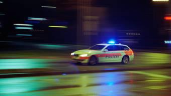 Am Dienstagabend verunfallte ein deutscher Automobilist auf dem weg von Brütten nach Winterthur. (Symbolbild)