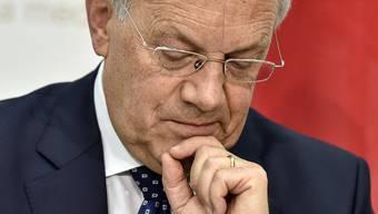 Hat Wirtschaftsminister Johann Schneider-Ammann bereits die Bundesratswahlen vom 9. Dezember im Blick?