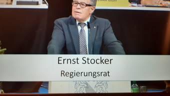 Der Zürcher Finanzdirektor Ernst Stocker (SVP) während der Budgetdebatte im Kantonsrat.