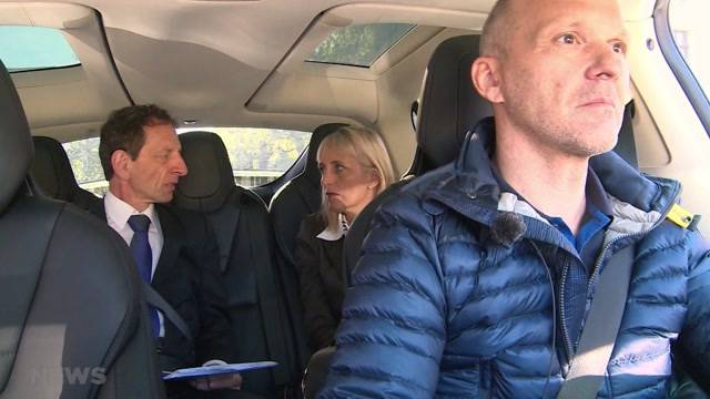 Geistige Unterstützung im Taxi