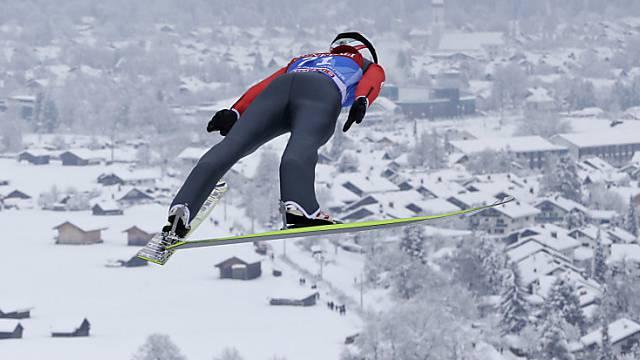 Simon Ammann vor der Kulisse von Garmisch-Partenkirchen.