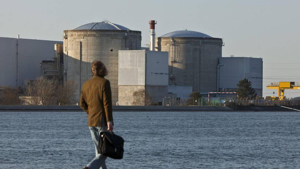 Das AKW Fessenheim im Dreiländereck gilt als umstritten. Atomgegner fordern seit Jahren, das Kraftwerk vom Netz zu nehmen. (Archiv)