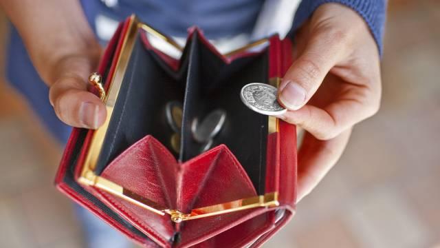 Mit dem Wechselgeldtrick nahm ein Unbekannter einen Mann mehrere hundert Franken ab. (Symbolbild)