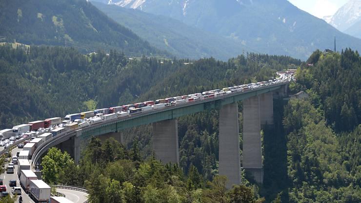 Der Brenner ist eine der wichtigsten Routen für den Güterverkehr von Italien in Richtung Nordeuropa.(Archivbild)
