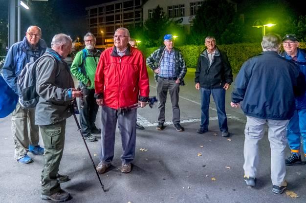 Wanderleiter Alfred Zybach orientiert