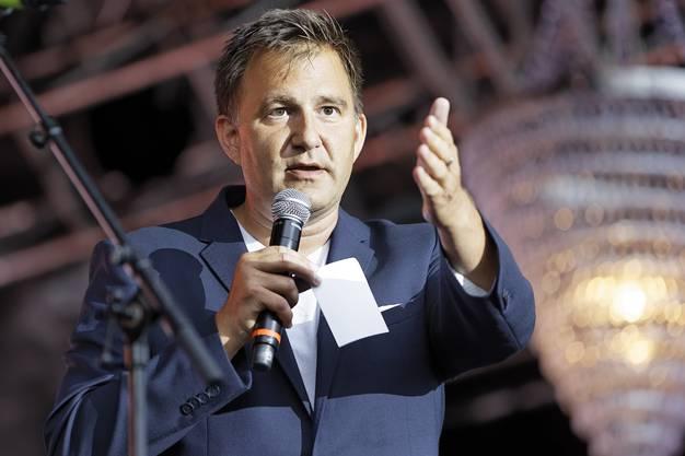VolksSchlager OpenAir 2018 auf dem Heitere Zofingen: Sascha Ruefer moderierte den Abend wortgewandt.
