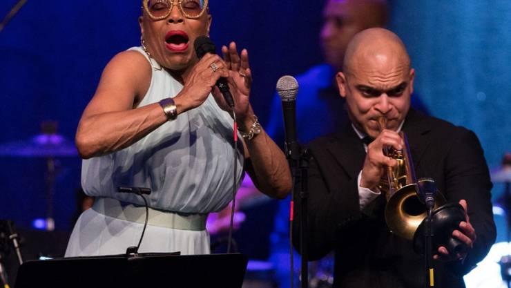 Dee Dee Bridgewater (l) mit Irvin Mayfield am JazzAscona (zVg)