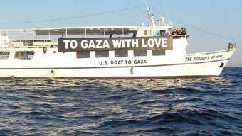 """""""To Gaza With Love"""" steht auf dem Boot, das nach Gaza auslaufen möchte"""