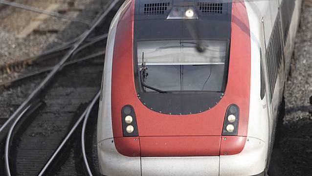 Ein Intercity-Zug der Schweizerischen Bundesbahnen SBB (Symbolbild, Archiv)