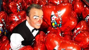 Völlig überraschend wurde der beliebte Clown gestern tot aufgefunden. Der Freitod des 51-jährigen Peter Wetzel schockiert auch Fredy Knie Junior.