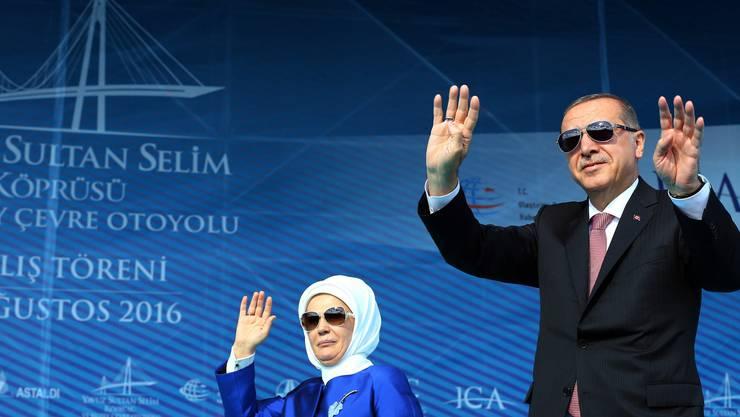 Erdogan nutzt die Eröffnung der Brücke zur Selbstdarstellung.