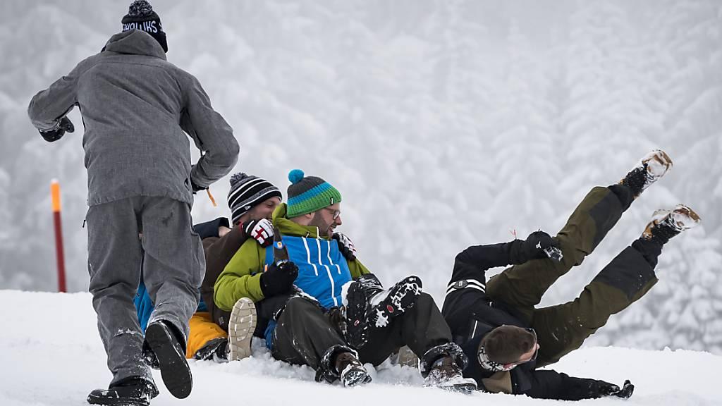 6'500 jährliche Verletzte beim Schlitteln – Bund warnt vor «Davoser»