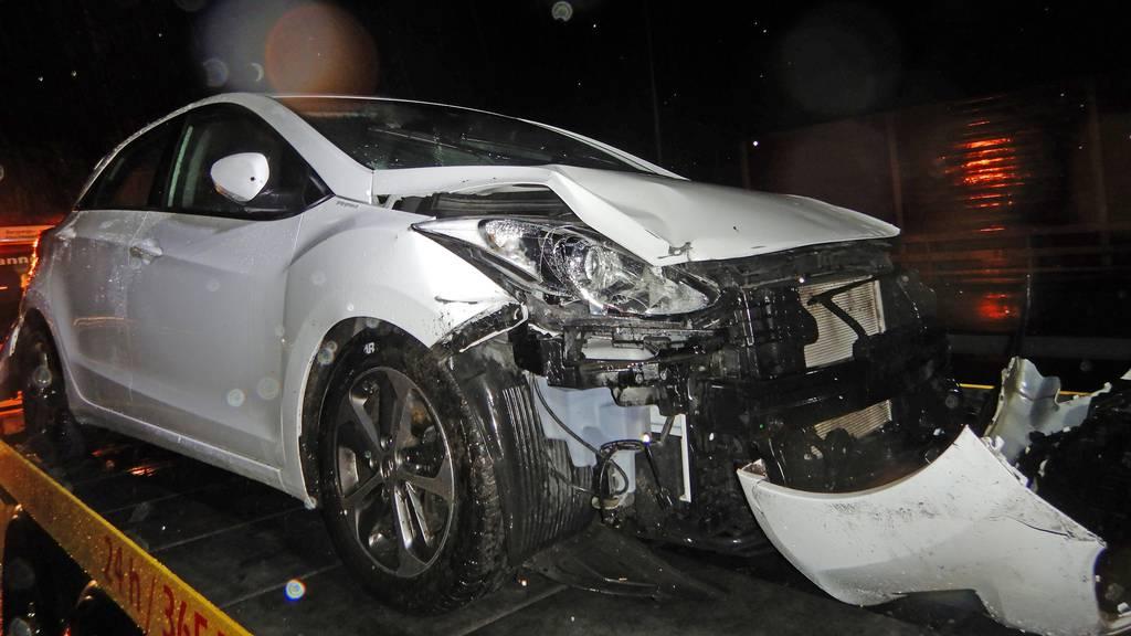 Aquaplaning auf der Autobahn A1 – 23-Jährige verletzt