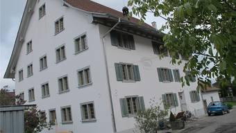 Das Haus Feldstrasse 5/7, für das die Gemeinde etwas an die Fassadensanierung bezahlt.