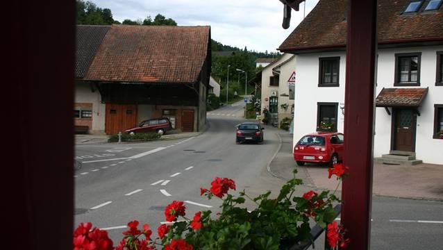 Während den Bauarbeiten wird der Verkehr von Elfingen nach Mönthal umgeleitet.