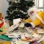 Weihnachtsmann, Christkind, Père Noël  und Babbo Natale sind an Weihnachten mit Kinderbriefen aus der ganze Schweiz überhäuft worden. (Archivbild)