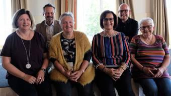 Sie haben gestern den Verein Kult-Chuchi gegründet: Martina Kohler, Harry Landis, Jackie Rubi, Maya Grossmann, Dieter Rüetschi und Ursula Hofstetter.