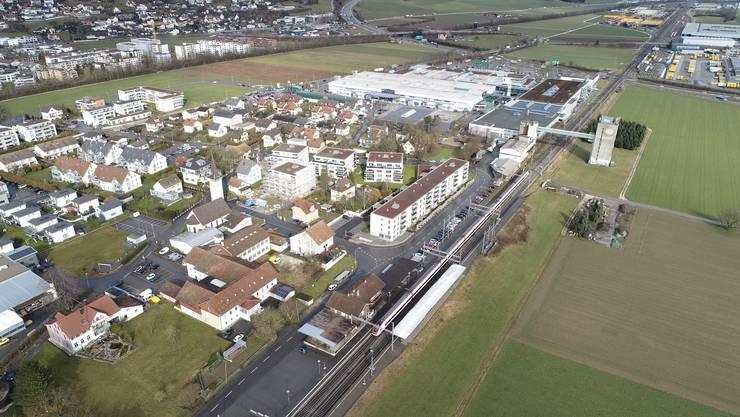 Die neue ÖV-Drehscheibe am Bahnhof soll helfen, den Gäupark (im Hintergrund) besser zu erschliessen.