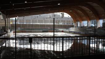 Die Sissacher Kunsteisbahn soll eine vollständig geschlossene Hülle erhalten. (Archiv)