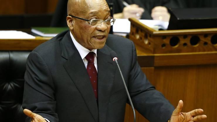 Er hat Steuergelder benutzt, um sein Privathaus zu sanieren - jetzt räumt der südafrikanische Präsident Jacob Zuma Fehler ein. (Archiv)