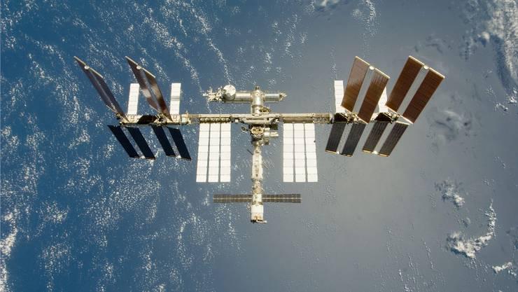 Archivbild der Internationalen Raum-Station ISS: Künftig könnten Kriege im All ausgetragen werden. Werden dann Raumstationen bewaffnet?