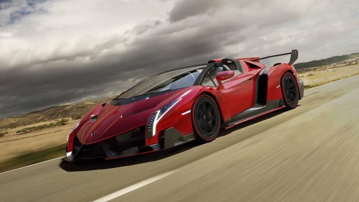Für 3,95 Millionen wechselt dieser 740 PS starke Lamborghini Veneno Roadster den Besitzer.