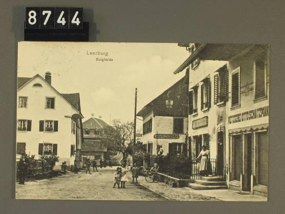 Postkarte mit Blick auf die Burghalde. Der Poststempel datiert sie auf das Jahr 1919.