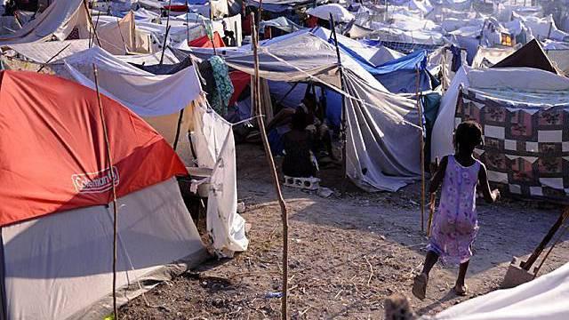 Ein Zeltlager nahe von Port-au-Prince der Hauptstadt von Haiti