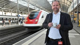 Christian Ginsig am Bahnhof Olten. Er sagt: «Hauptsache smart.» Und elektrisch sei smart. Bruno Kissling