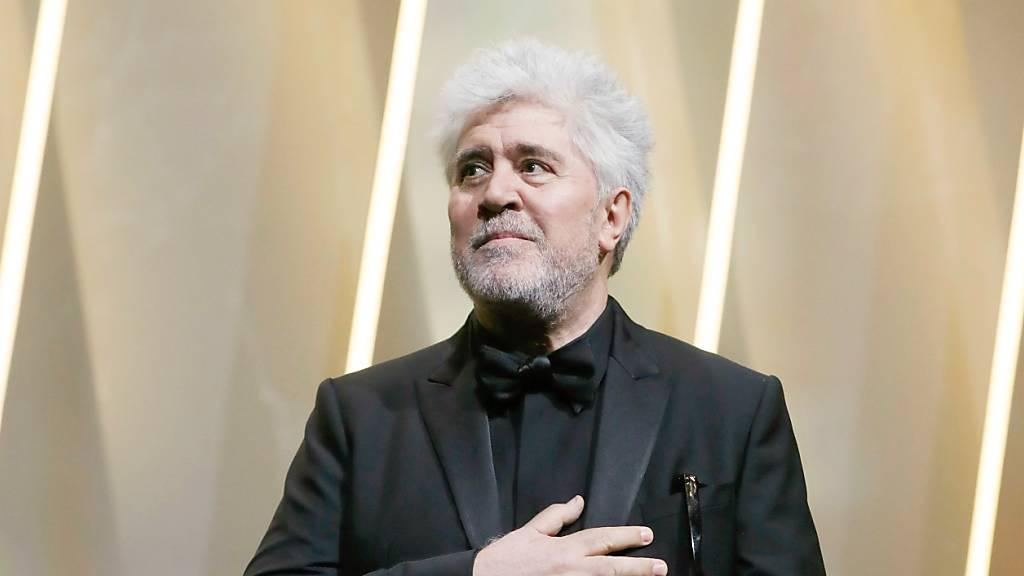 Der neue Film «Madres paralelas» des spanischen Regisseurs Pedro Almodóvar wird die 78. Filmfestspiele in Venedig (1. bis 11. September) eröffnen. Foto: Thibault Camus/AP/dpa Foto: Thibault Camus/AP/dpa