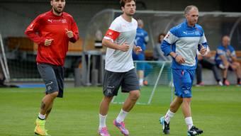 Valon Behrami und Admir Mehmedi beim Training.