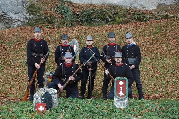 Bis heute erinnern ihre in die Felsen gemalten Wappen an die Aktivzeit während des Ersten Weltkriegs.