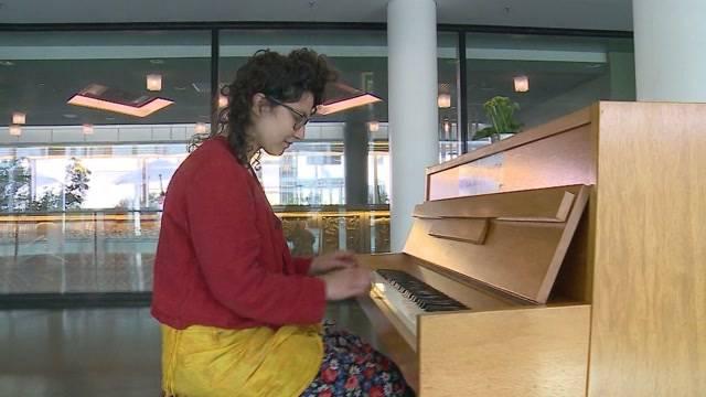 Ein Klavier am Aarauer Bahnhof?!