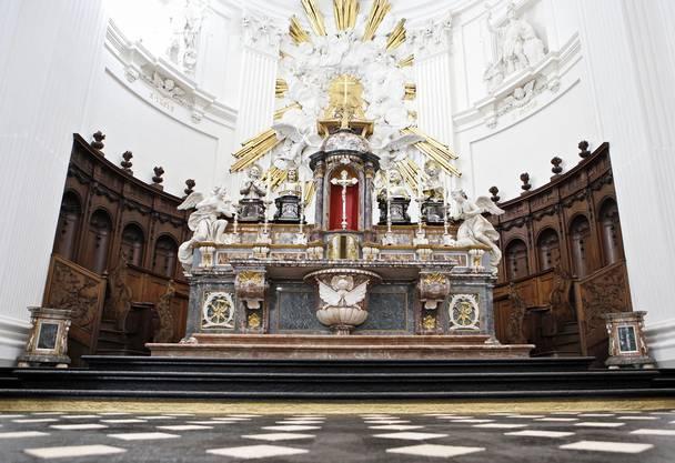 Altar: Das «Tuch», das Stein ist.