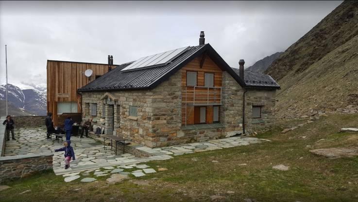 Die Täschhütte in der Mischabelgruppe auf 2701 m ü. M. öffnete am 14. März als eine der ersten.