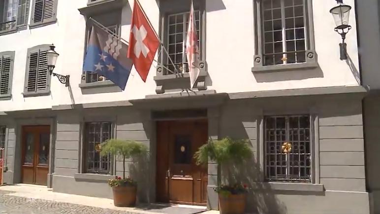 """Streetparade-Bomber"" legt Feuer im Bregarter Rathaus"