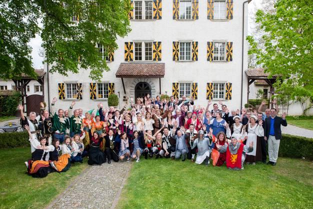 35 Zwillingspaare trafen sich am Samstag im Schloss Böttstein.
