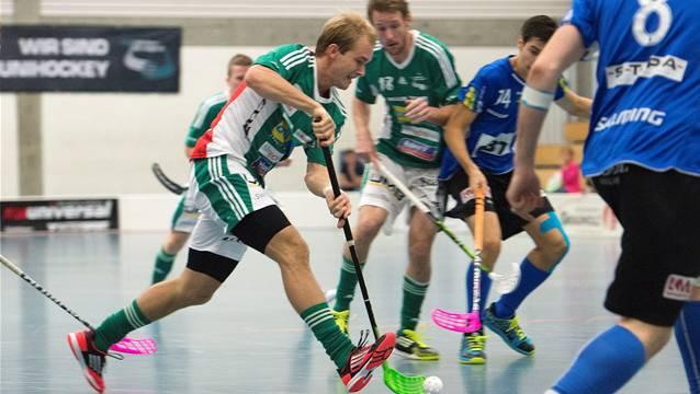 Wilers Isaac Rosen (l.) gegen Andris Lander.