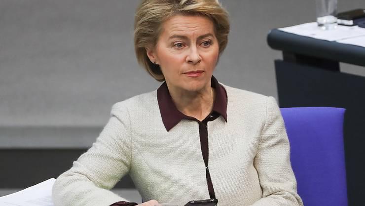 Die deutsche Verteidigungsministerin Ursula von der Leyen hat mit Saudi-Arabien vereinbart, dass Deutschland einige Offiziere des saudischen Königreiches ausgebildet werden. (Archivbild)