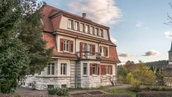 Wenn das Pfarrhaus verkauft wird, müsste sich ein neuer Pfarrer im Dorf eine Wohnung suchen. Peter Siegrist
